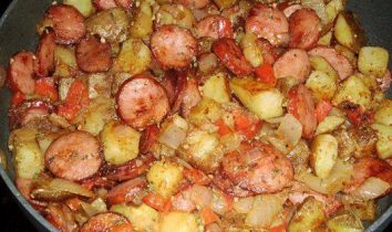 Skillet Sausage Potatoes